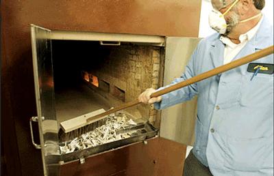 En los crematorios advierten que puede haber residuos en las cenizas de personas que previamente hayan sido incineradas ahí.